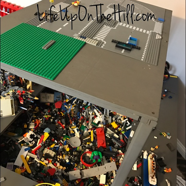 DIY - Lego Table - The Pallet Lady @Life Up On The Hill